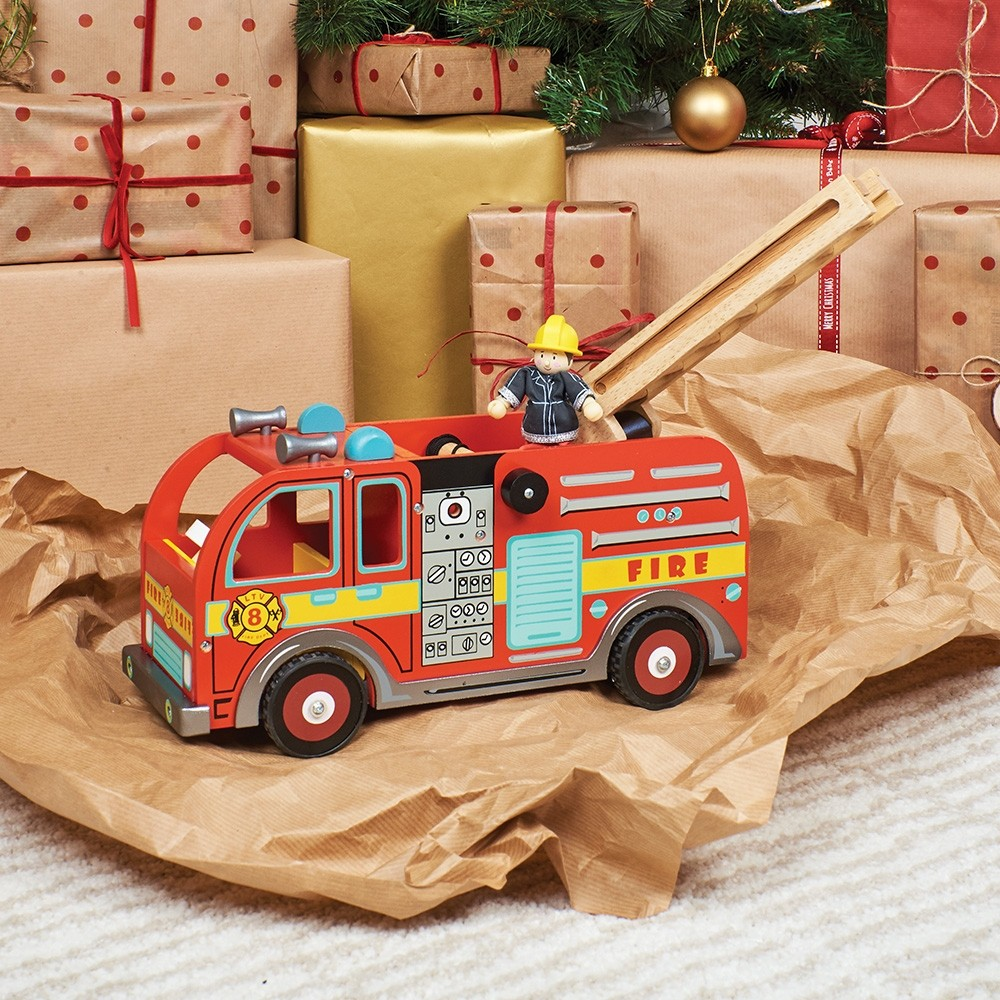 Le Toy Van Fire Engine with Firefighter